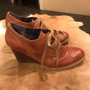 Tommy Hilfiger Twedolie Wedge Shoe 9.5